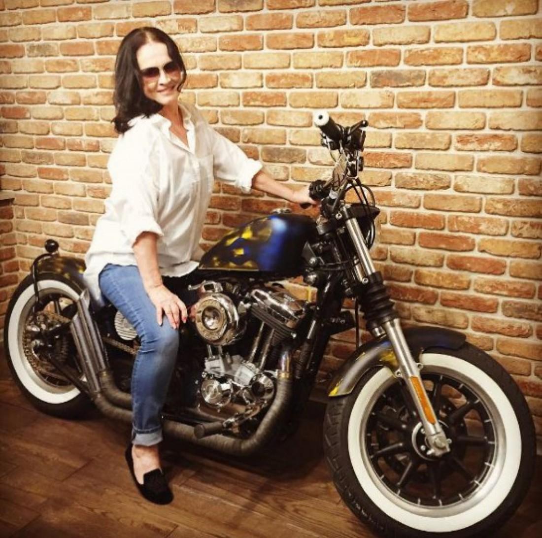 София Ротару на мотоцикле
