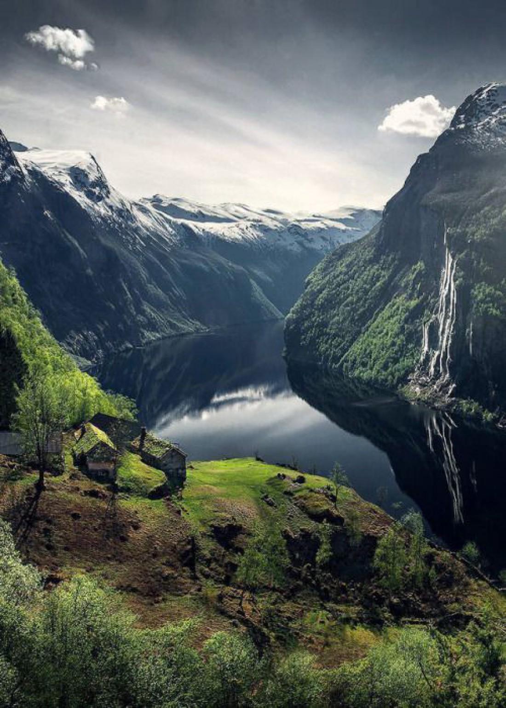 С 2005 года Гейрангер-фьорд считается объектом Всемирного наследия ЮНЕСКО