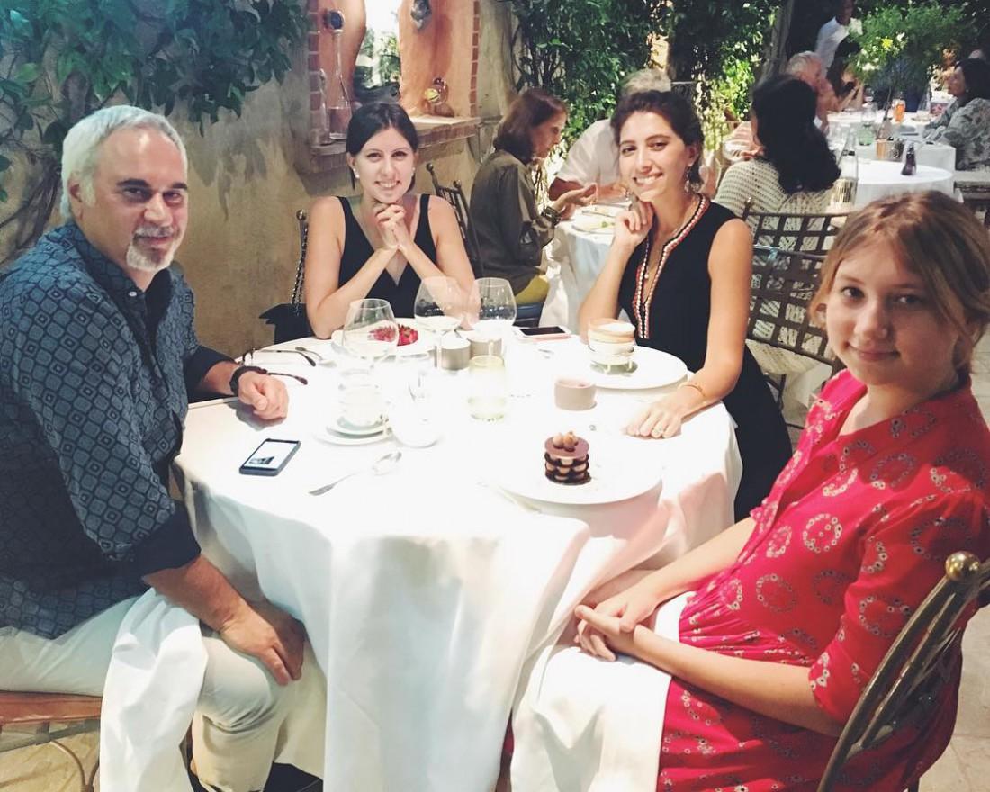 Валерий Меладзе с дочками во Франции