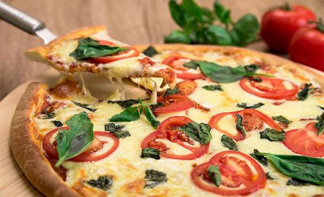 Привкус Италии: Настоящая пицца Маргарита в домашних условиях