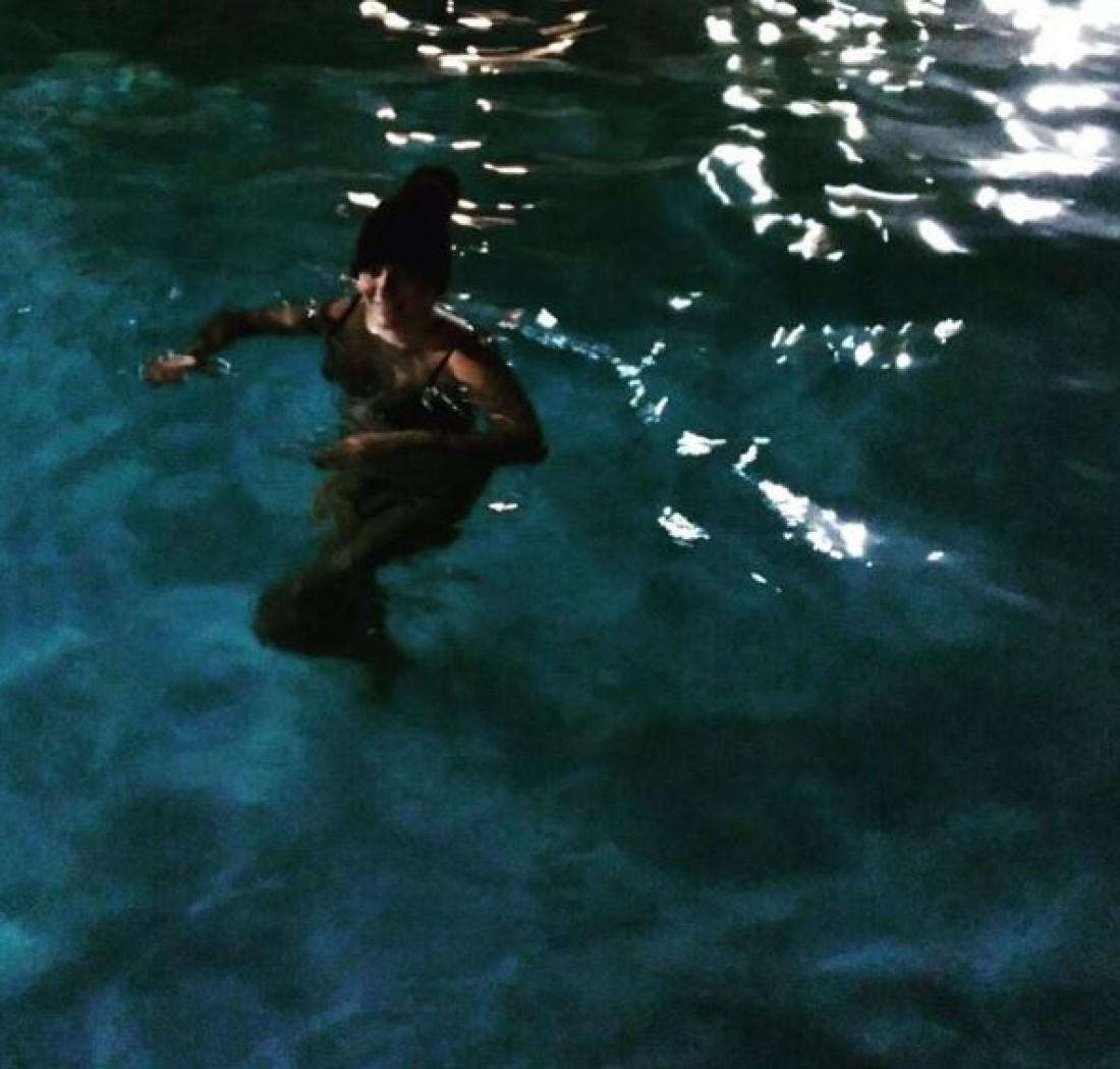 Елена Ваенга на Камчатке поделилась фото в купальнике