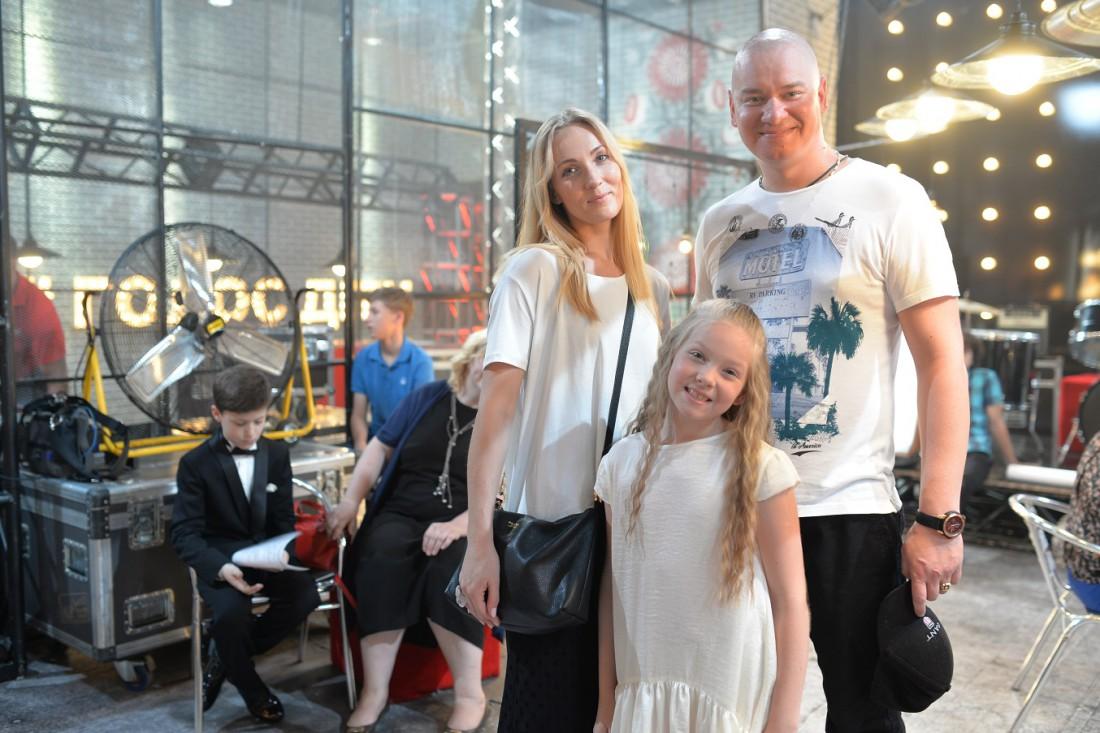 Евгений Кошевой с женой Ксенией и дочкой Варварой