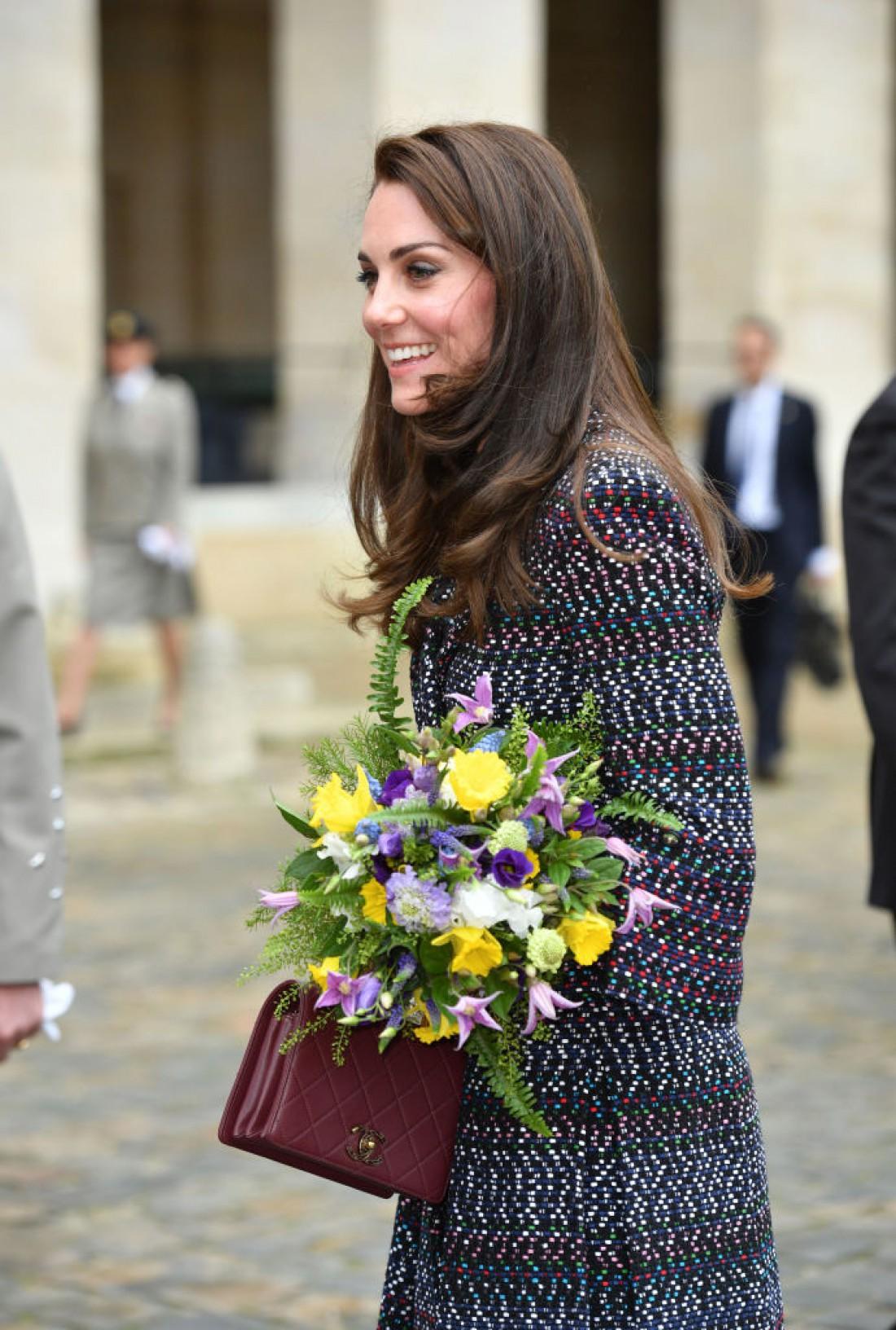 Герцогиня Кембриджская в total look от Chanel