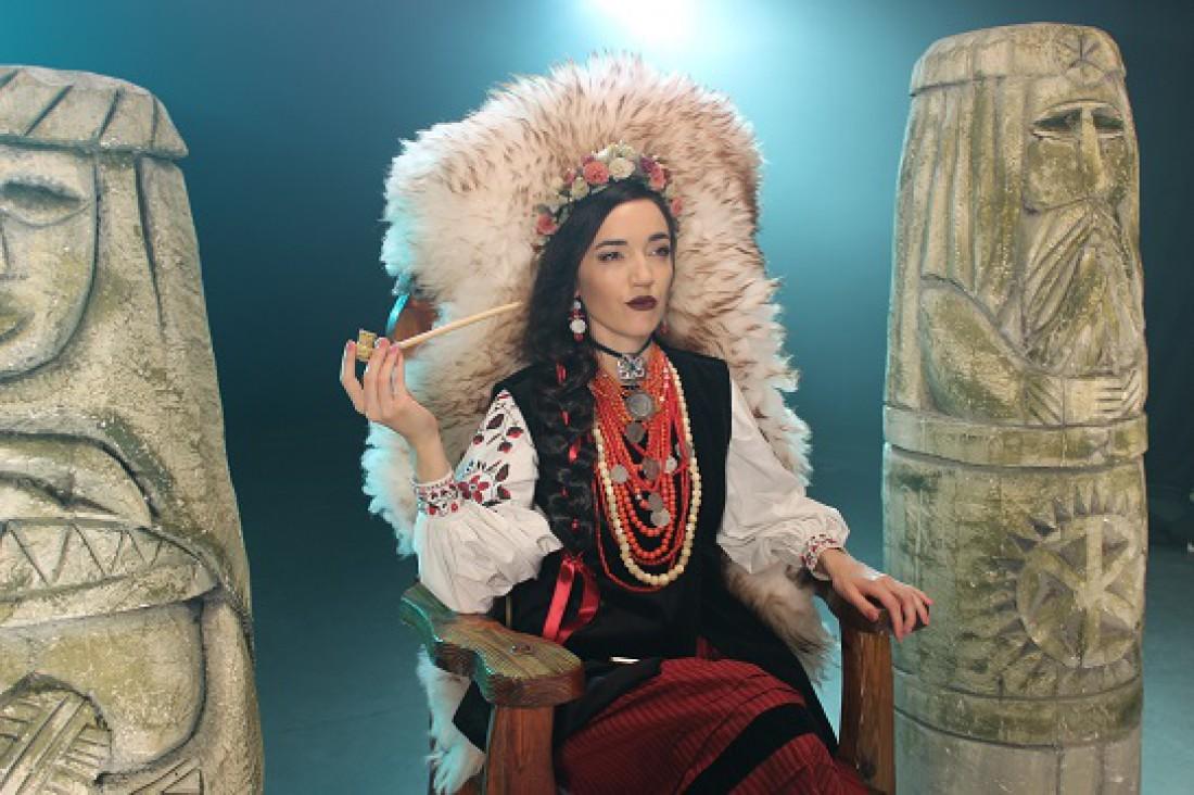 Співачка Ейра