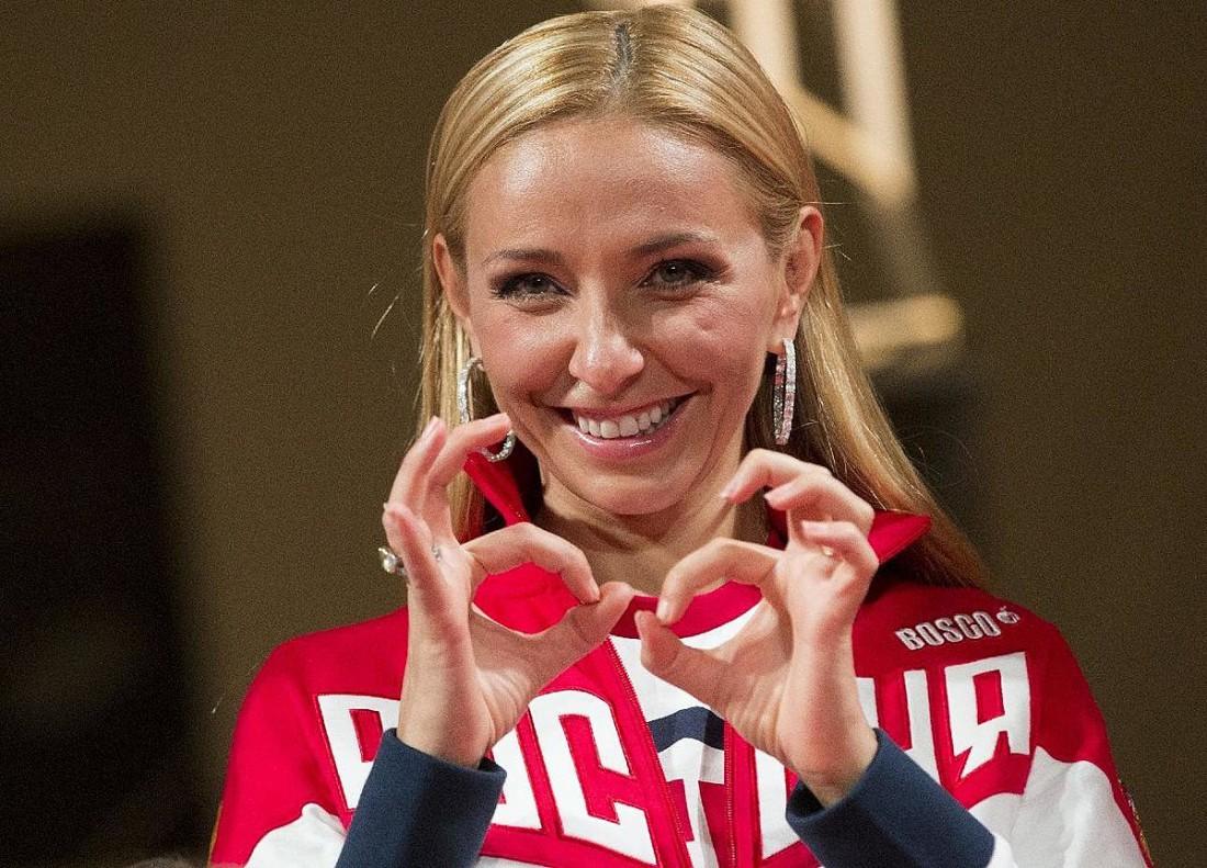 Татьяна Навка уже поставила двухлетнюю дочь наконьки