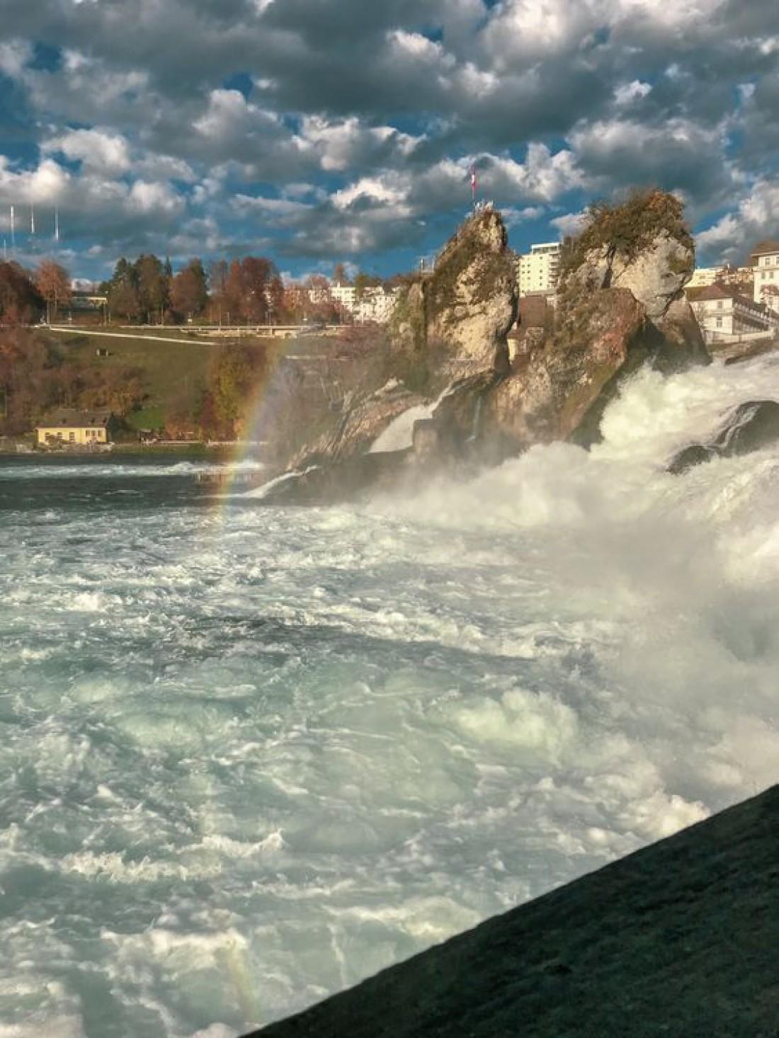 Рейнский водопад - один из красивейших водопадов Швейцарии