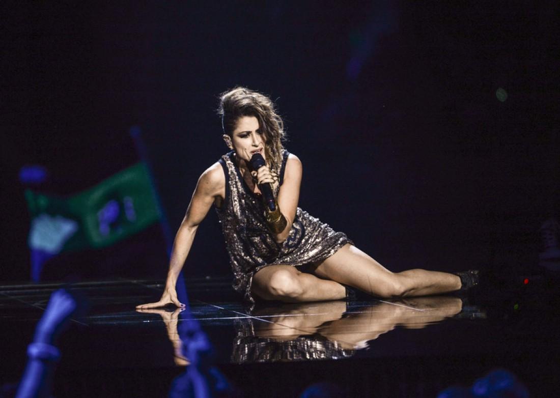 Русские певицы без трусов на сцене смотреть онлайн 12 фотография