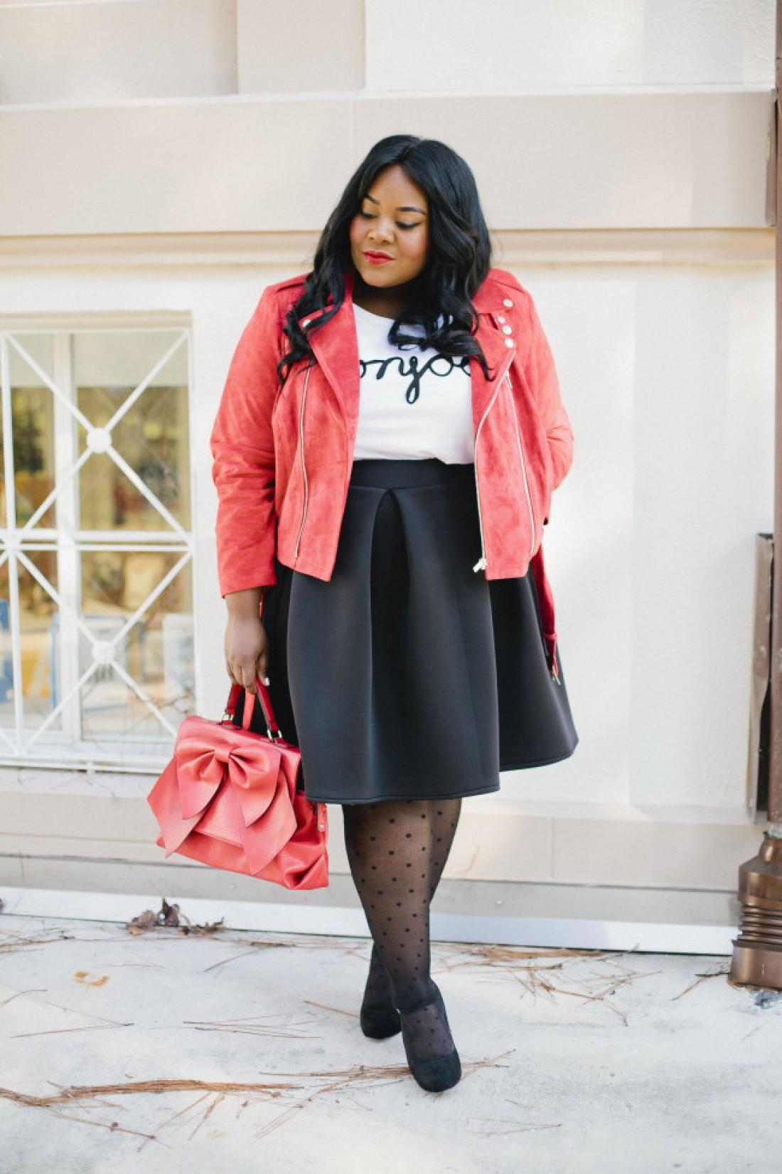 Замшевая розовая куртка
