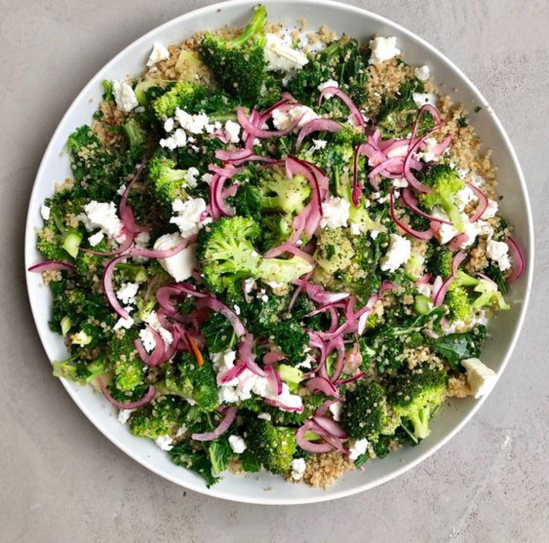 Легкий салат с брокколи и фетой