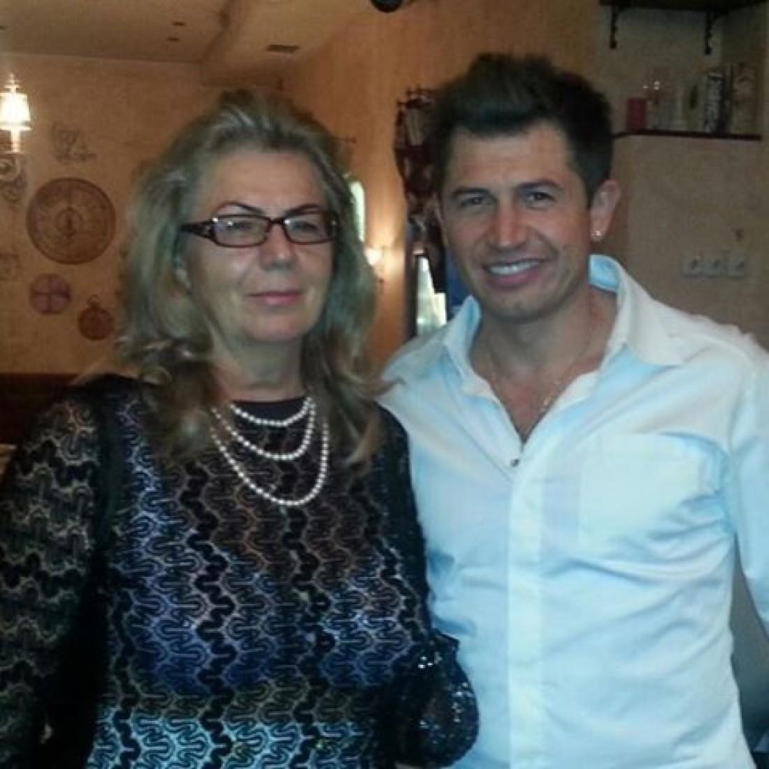 Андрей с мамой