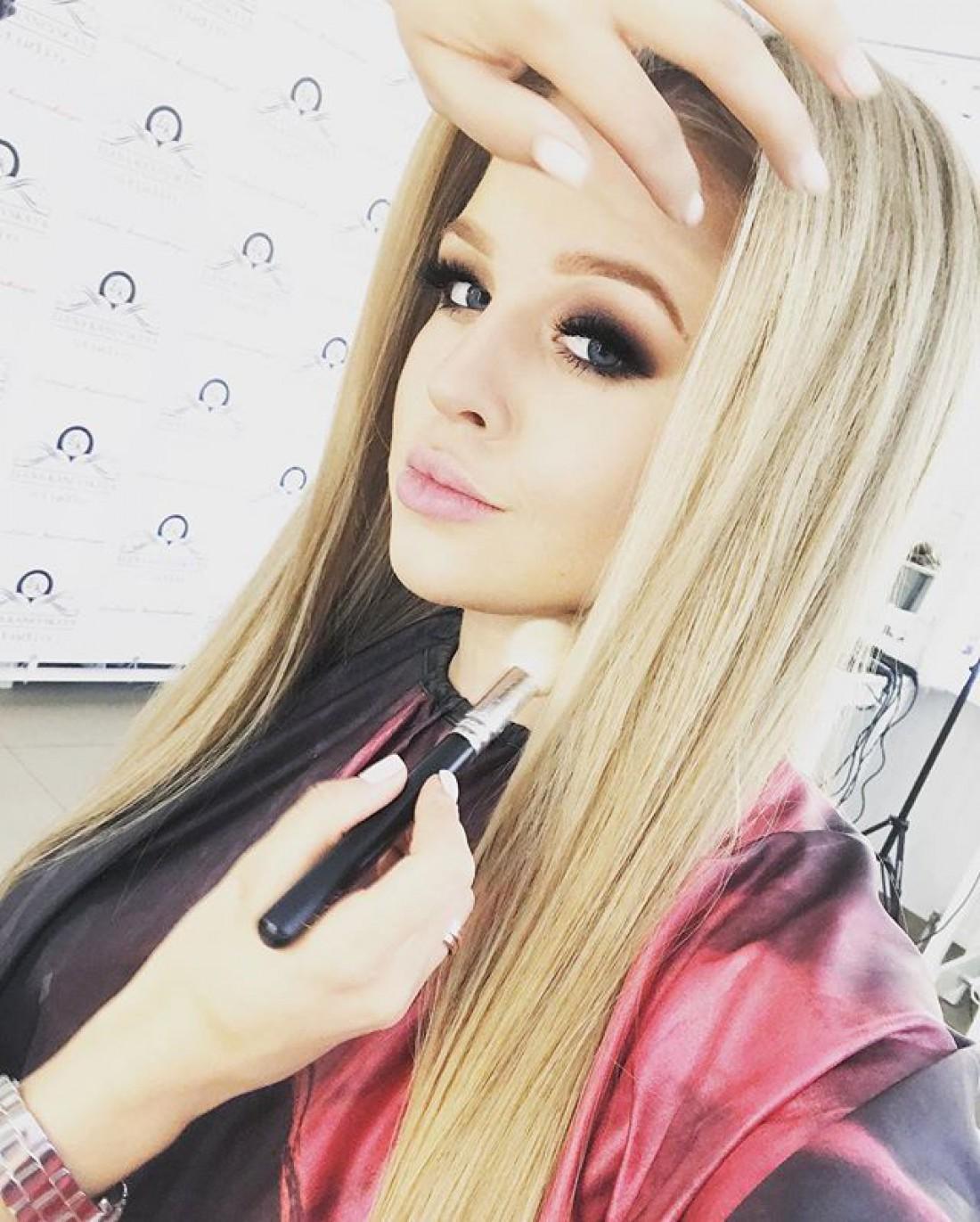 19-летняя эстрадная певица изОдессы Виктория Петрик тайно вышла замуж