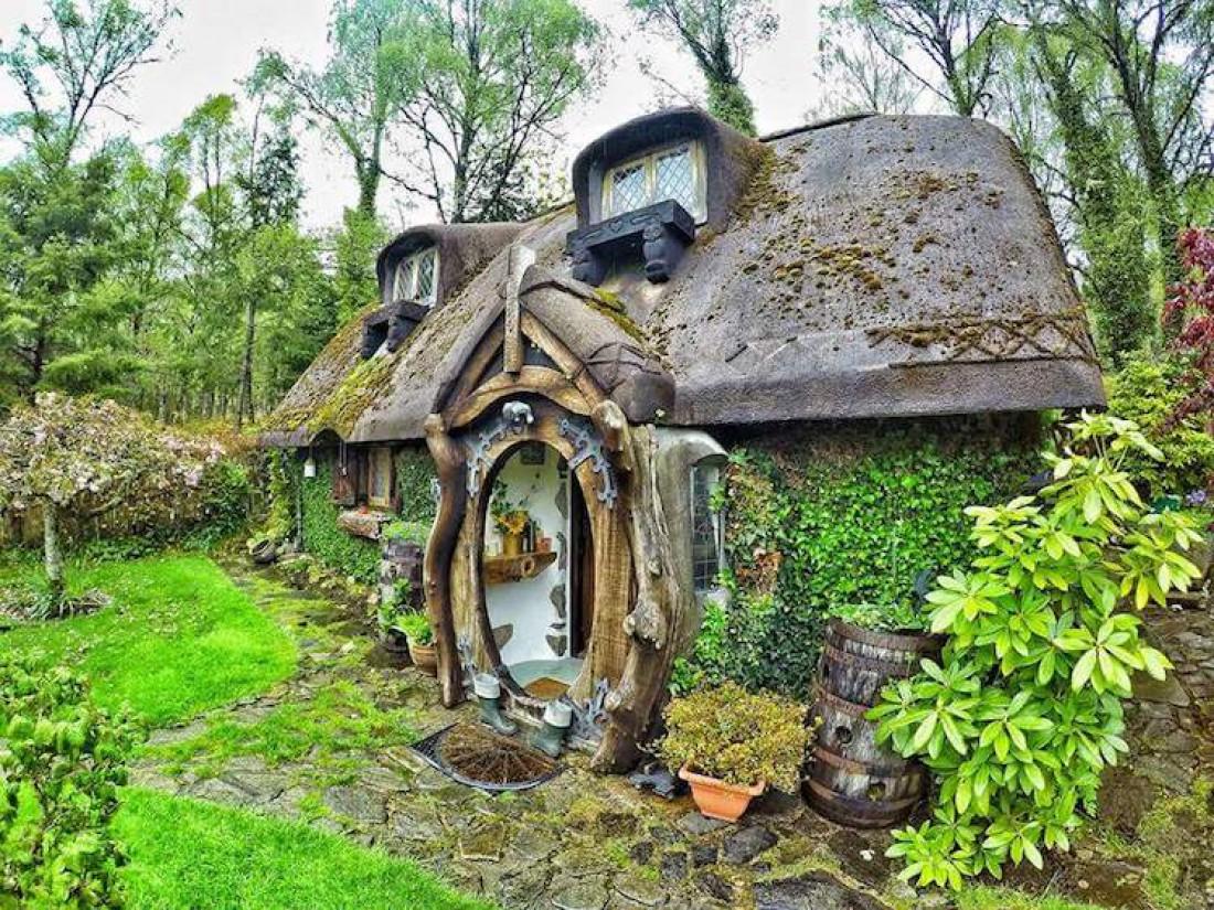 Домик хоббита в Шотландии