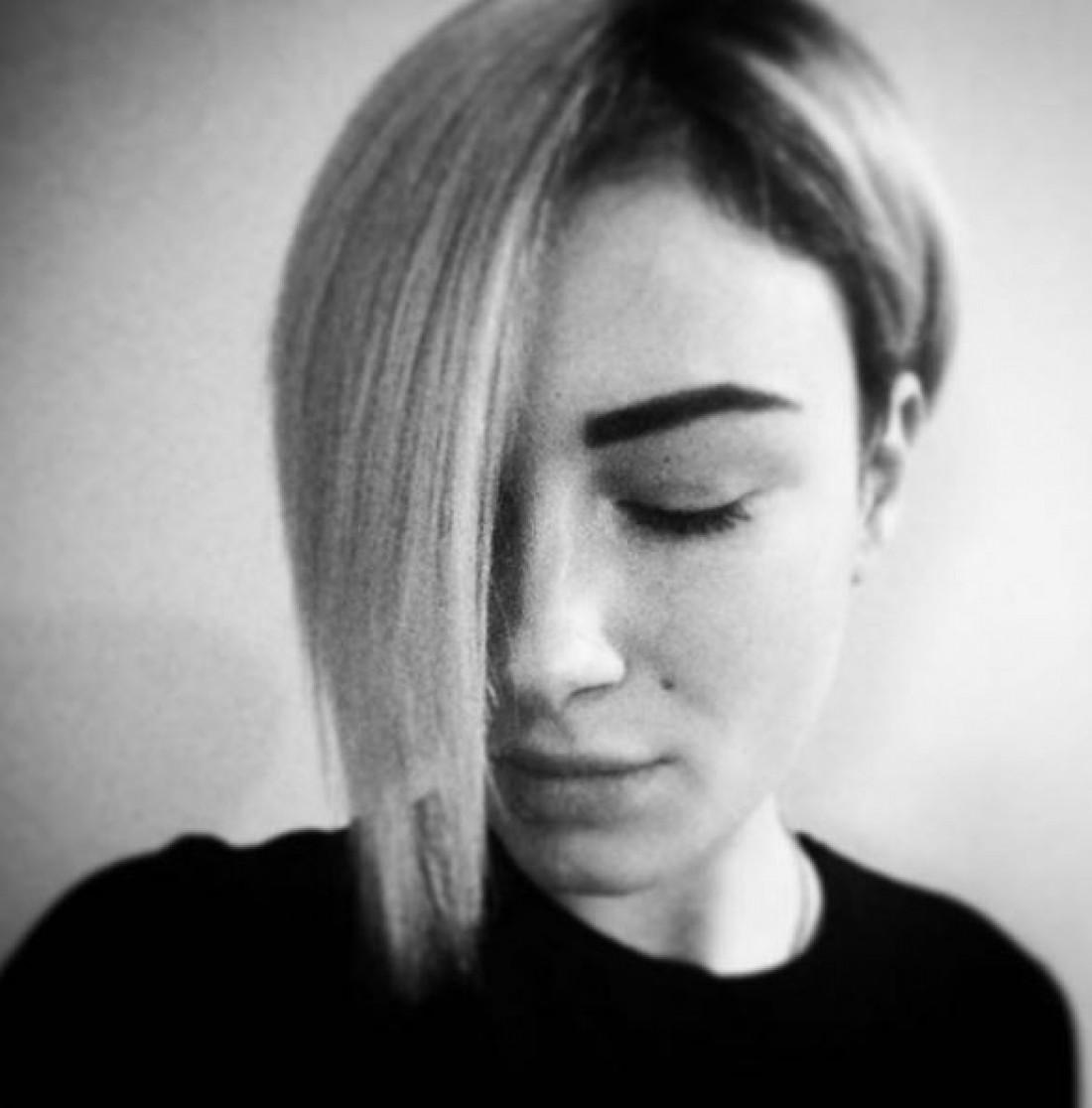 Анастасия Приходько обрезала волосы