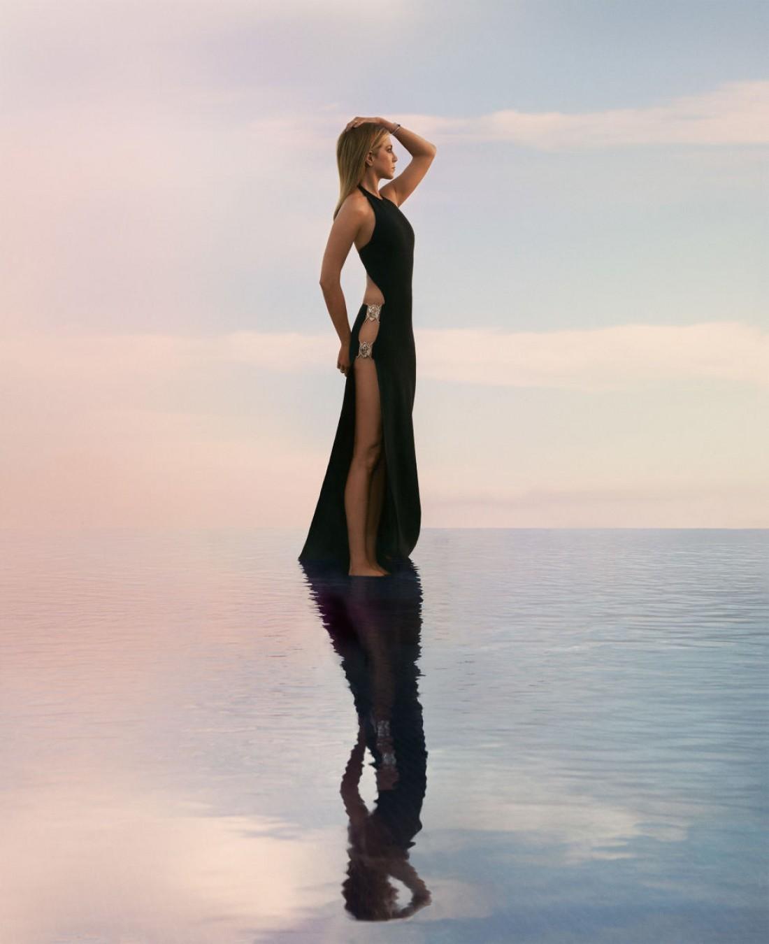 Актриса Дженнифер Энистон для Harper's Bazaar