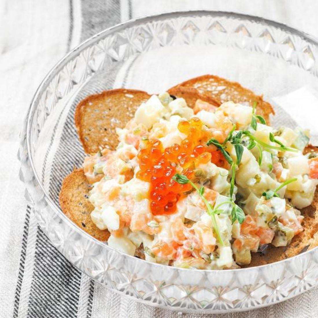 ТОП-7 вкуснейших салатов на Новый год 2020 (с фото)