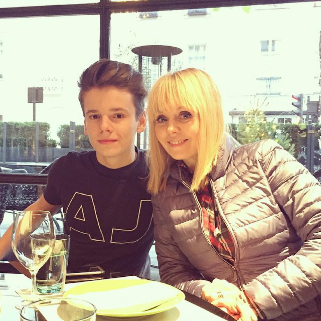 певица Валерия с 17-летним сыном Арсением