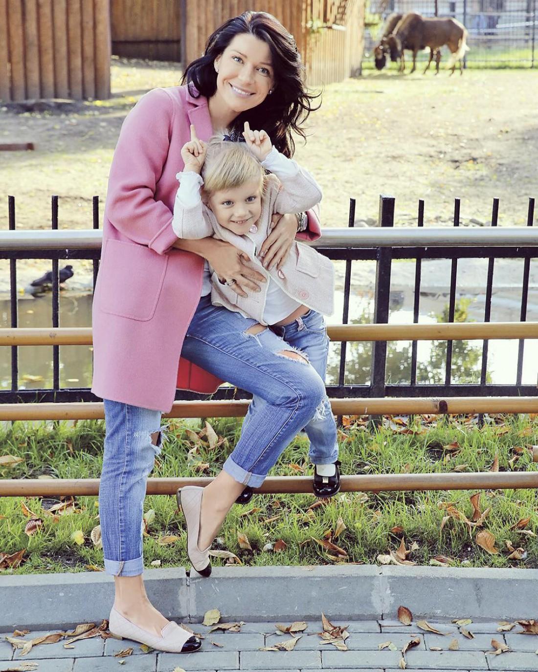 Катя Волкова с дочкой Лизой