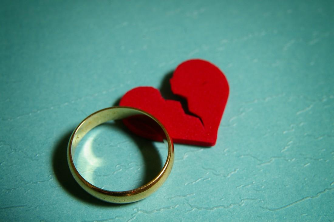 Суд обязал невесту компенсировать жениху моральный ущерб