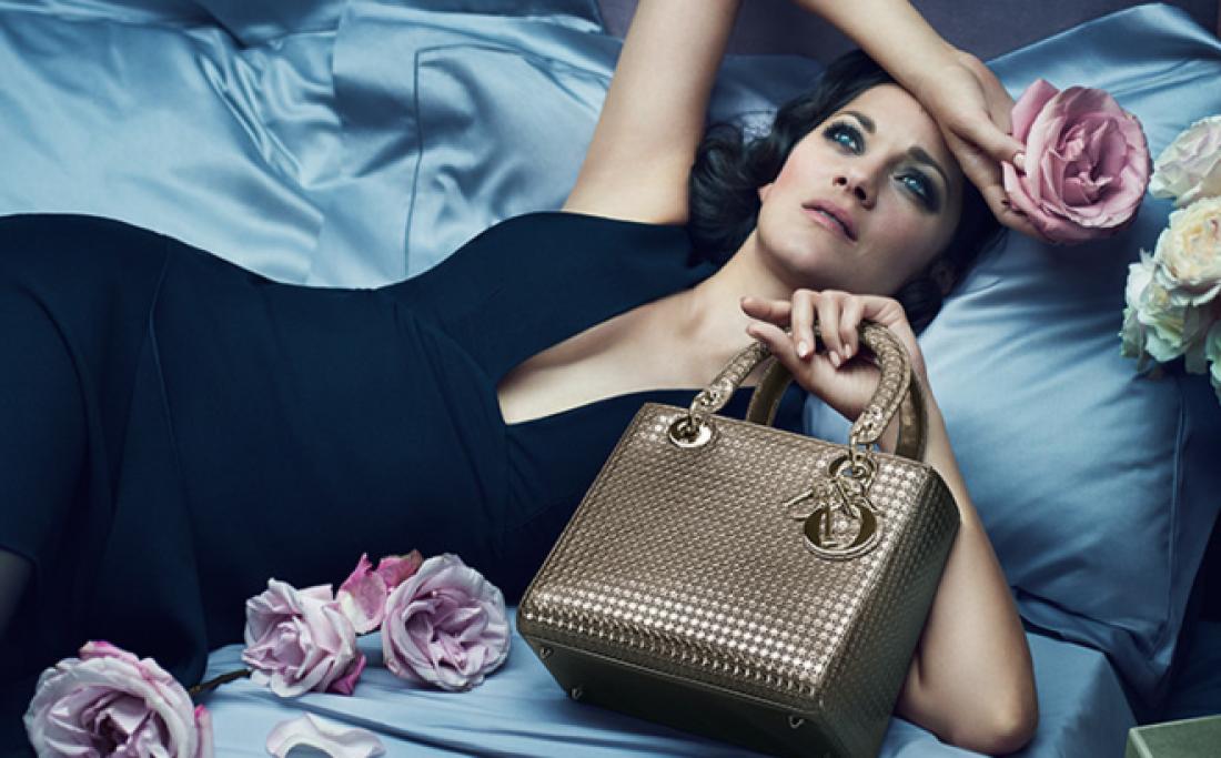 У уборщицы Газпрома украли сумку Dior за 300 тысяч рублей