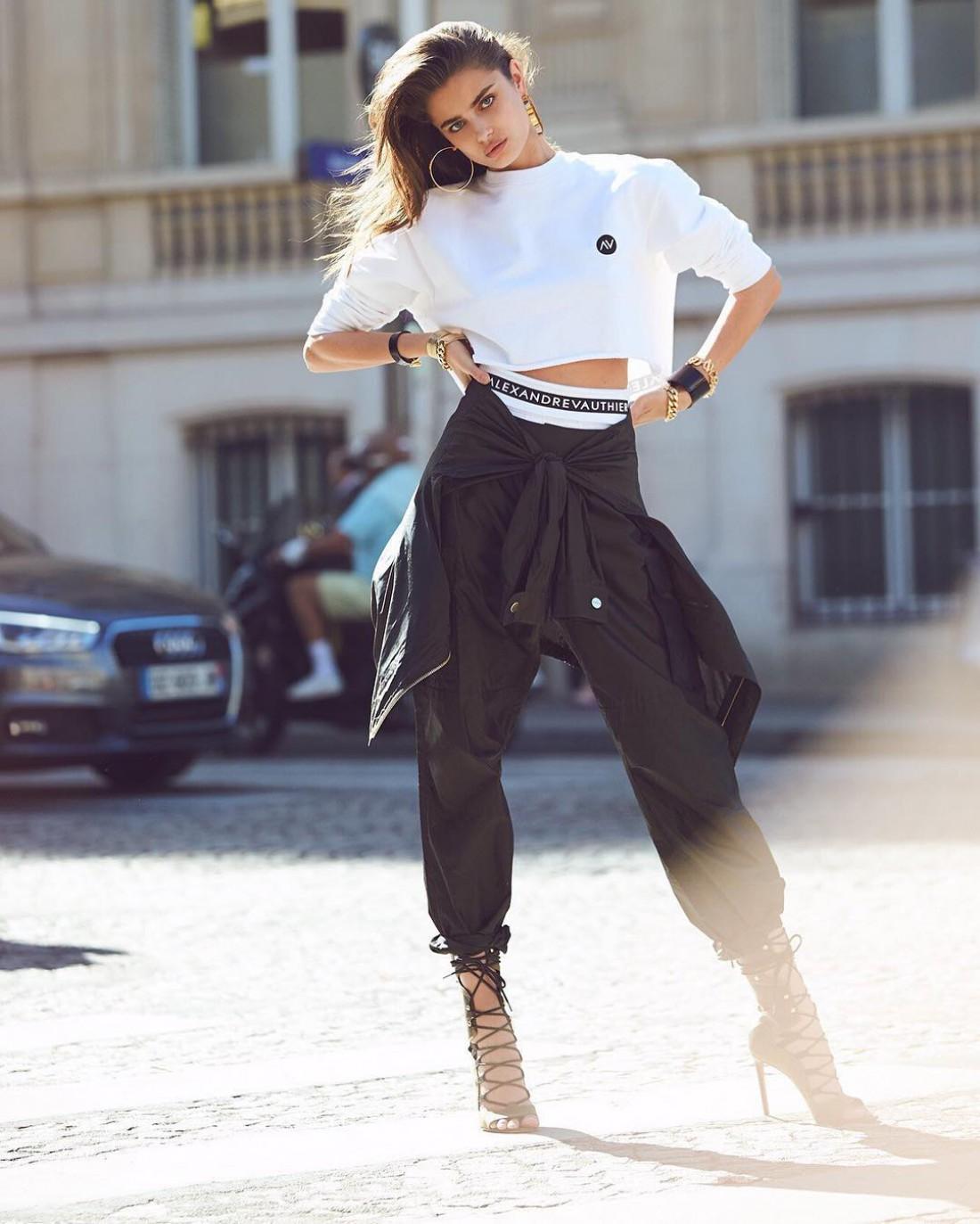 Топ-модель Тейлор Хилл разработает линейку джинсов