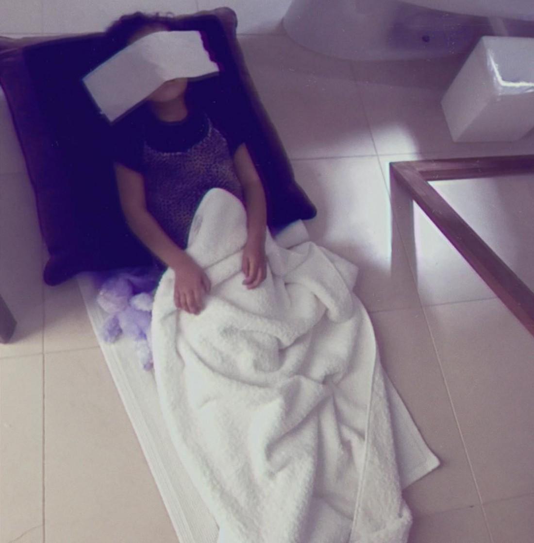 Дочь Ким Кардашян отдыхает в ванне