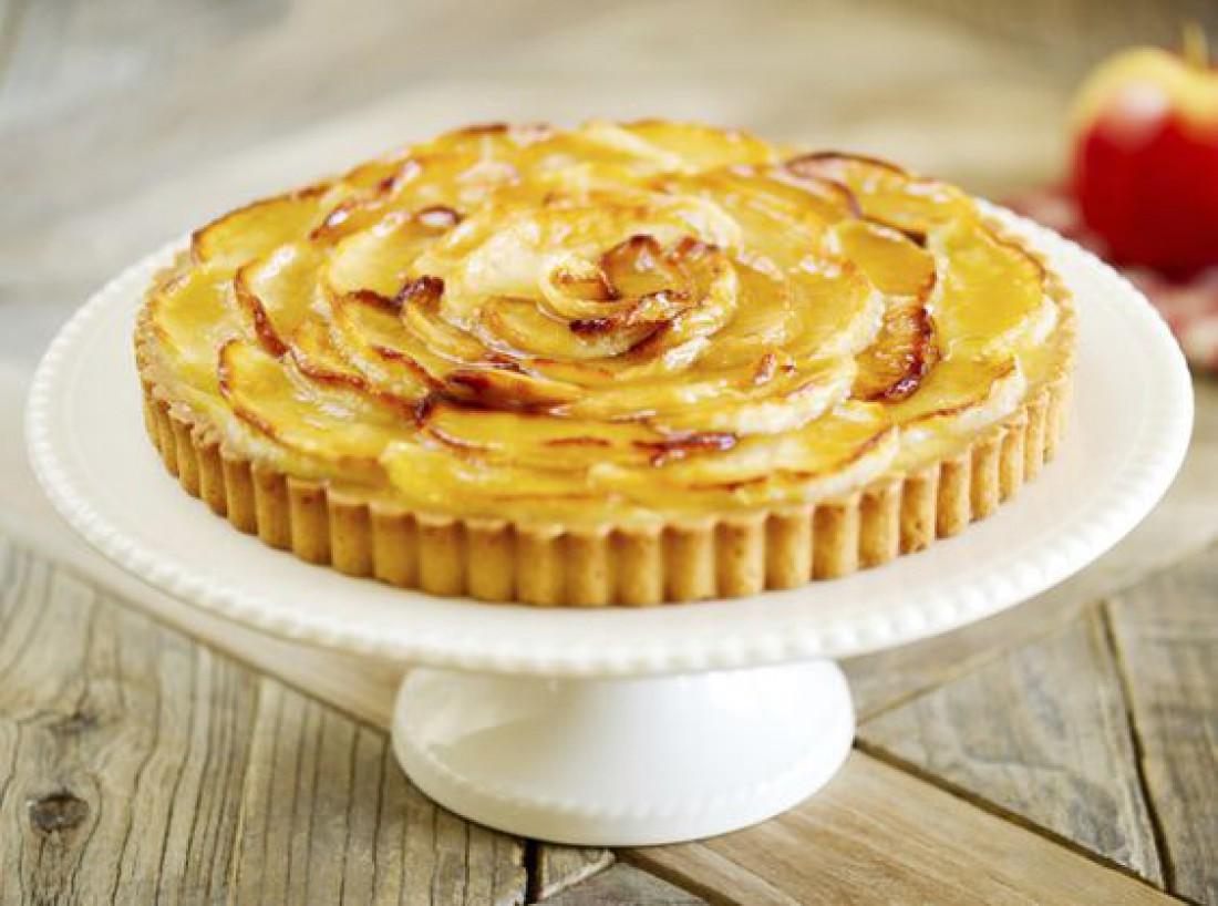 Французский тарт с яблоками и корицей