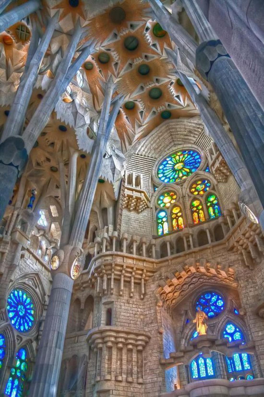 Строительство храма Саграда Фамилиа стало делом всей жизни Анонио Гауди