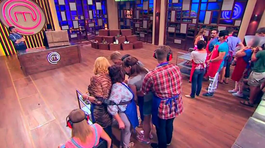 МастерШеф 6 сезон 17 выпуск: в ходе конкурса аматоров привязали друг к другу