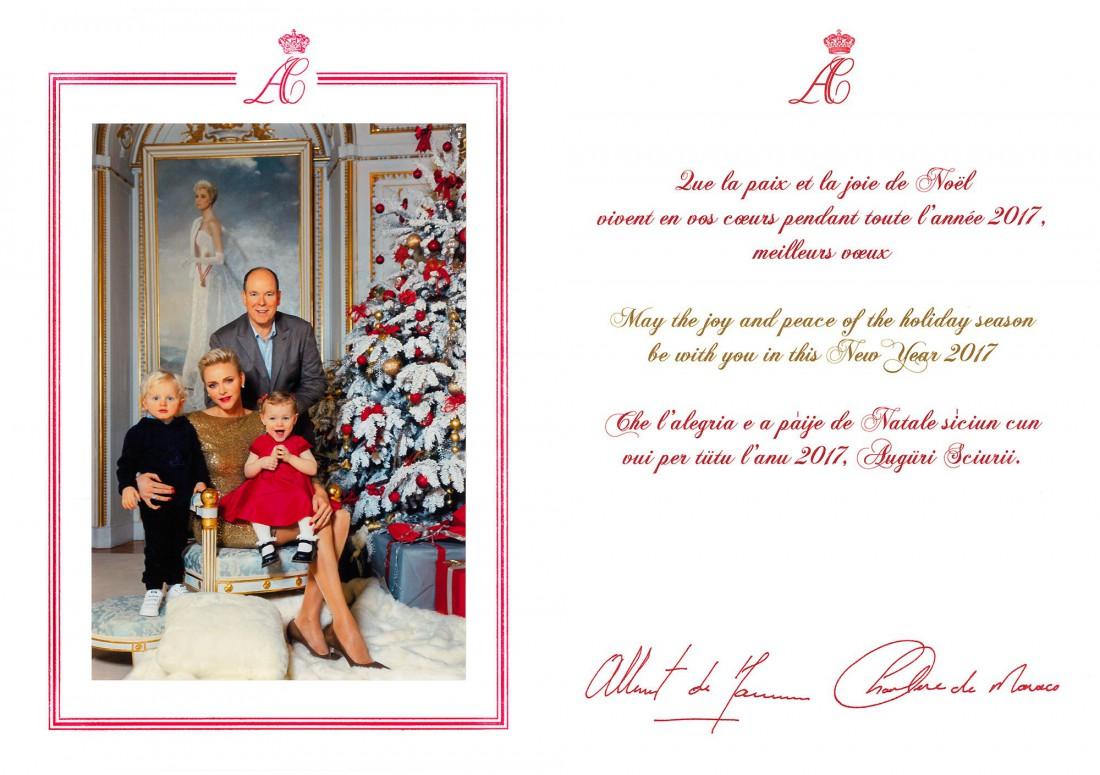 Князь Альбер II и княгиня Шарлен с детьми на рождественской открытке