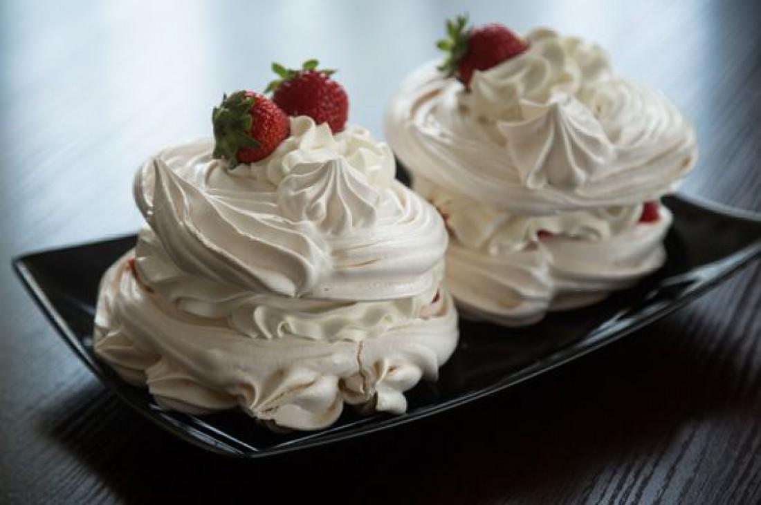 Десерт дня: Пирожное Павлова с творожным кремом
