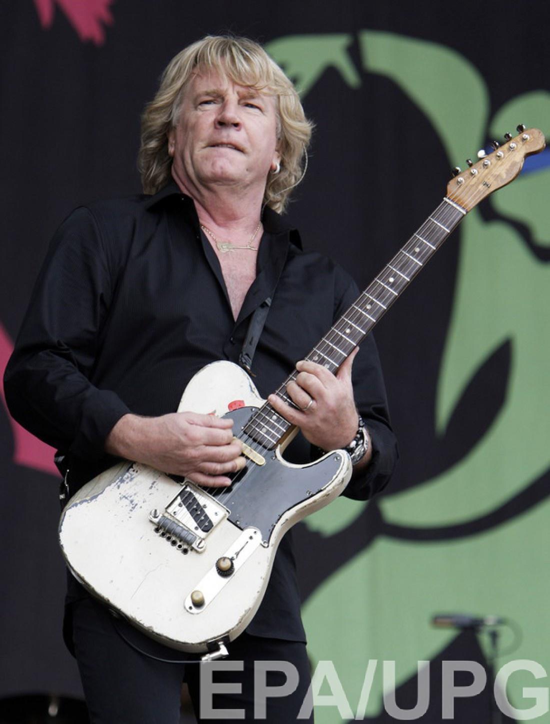 Умер Рик Парфитт – гитарист группы Status Quo