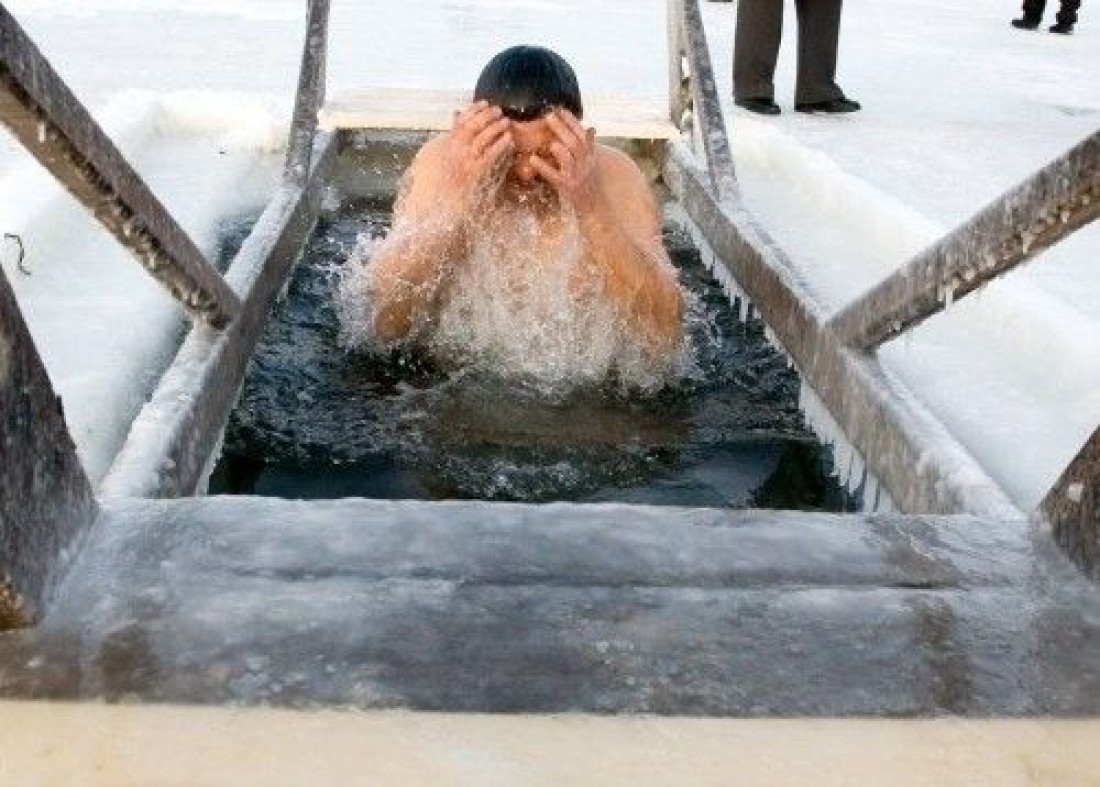 Крещенские купания: ТОП-10 правил безопасности в проруби