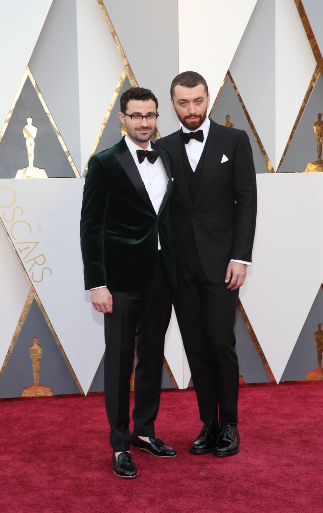 Оскар 2016: Сэм Смит (справа) и Джимми Нэйпс