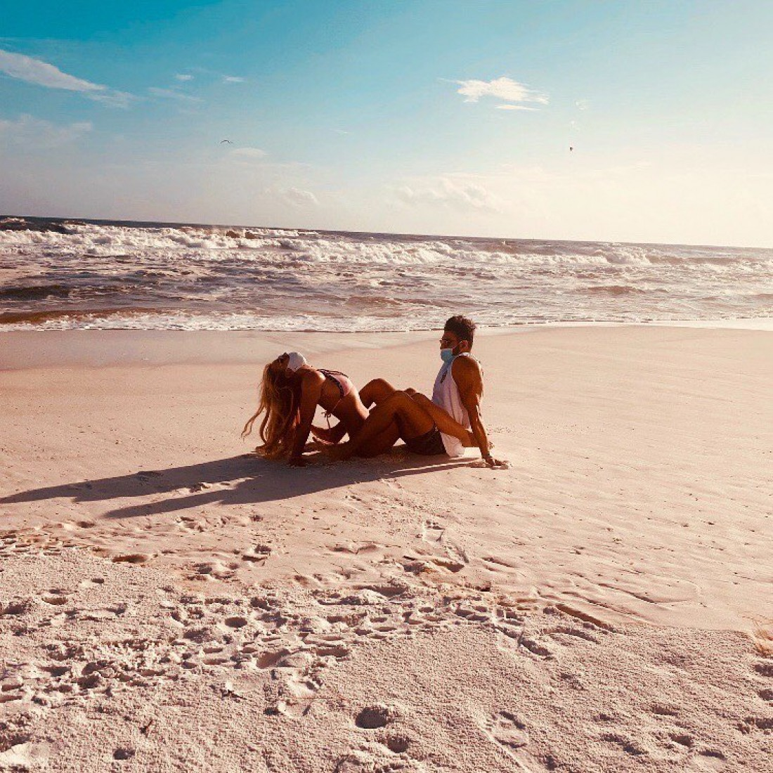 Бритни Спирс запостила пляжное фото с молодым бойфрендом
