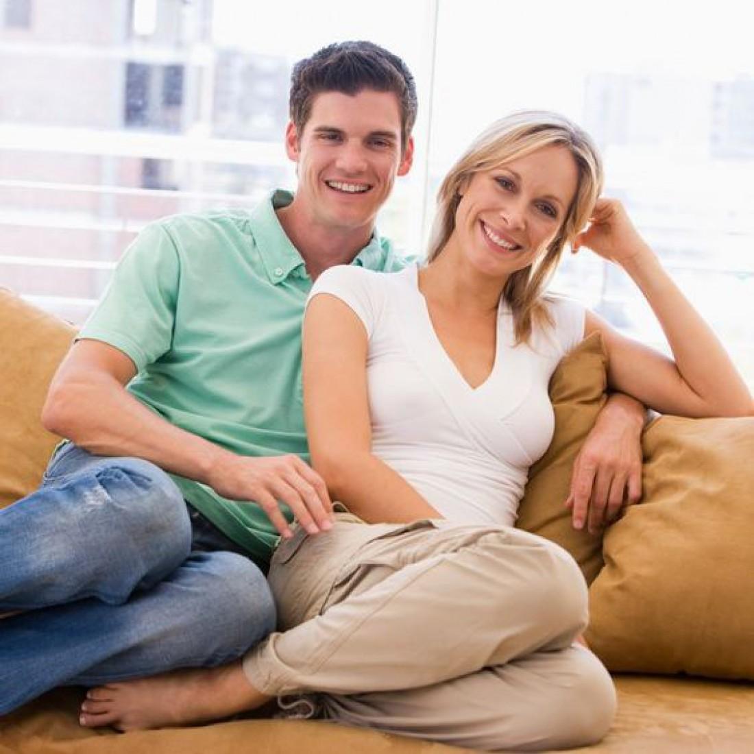 Отношения с мужчиной помладше: Плюсы и минусы