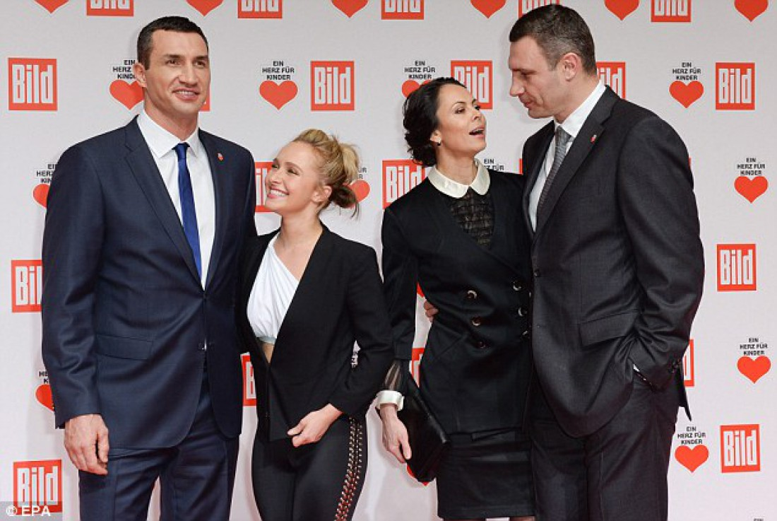 Владимир Кличко с Хайден и Наталья с Виталием Кличко