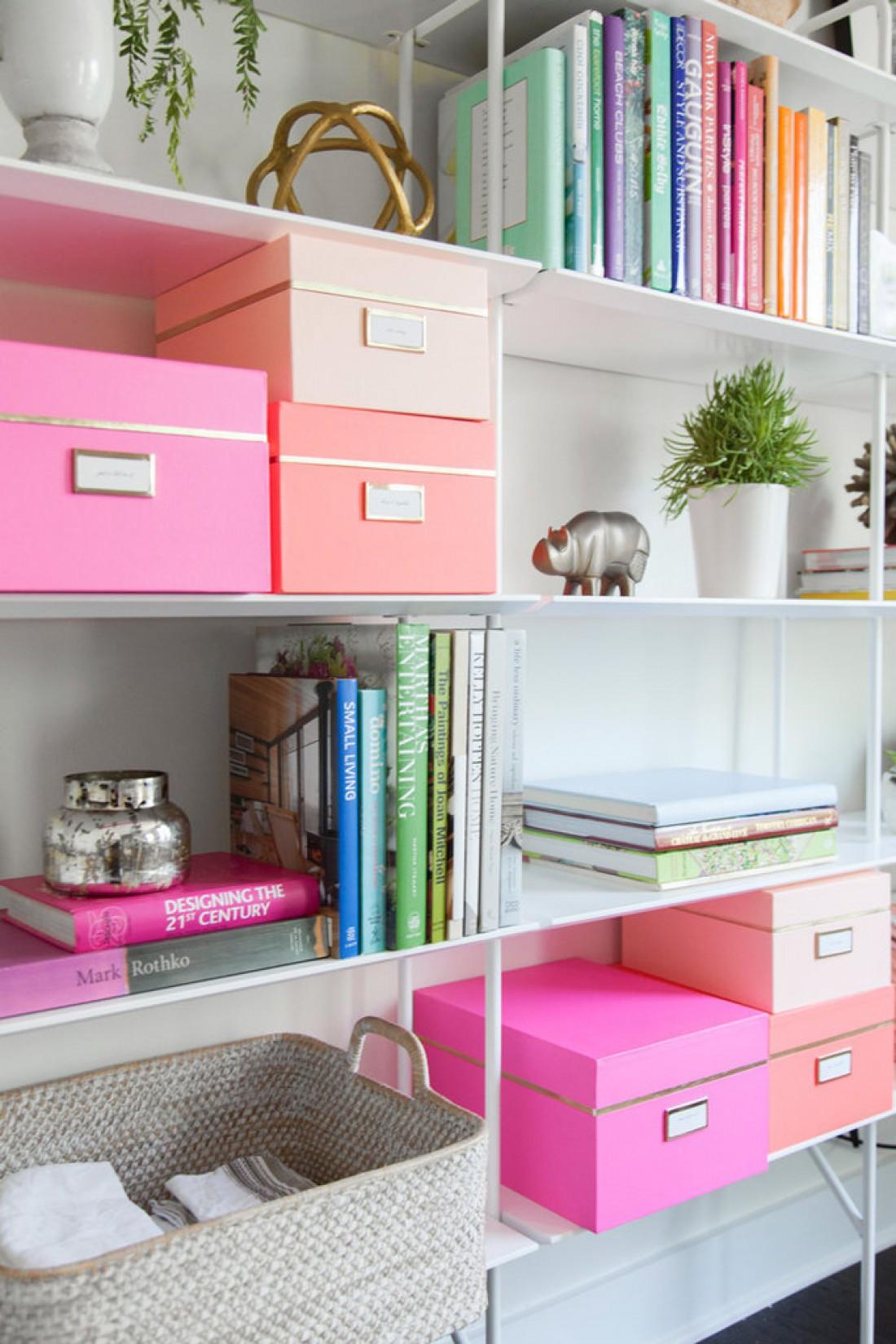 Купи разноцветные коробки для мелочей