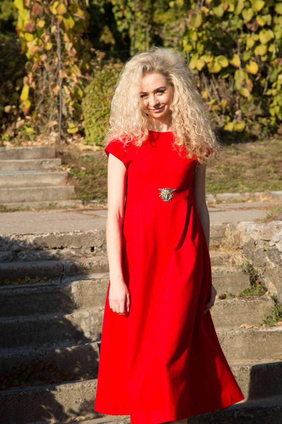 Украинский дизайнер Анастасия Иванова советует встрнечать новый год в платье