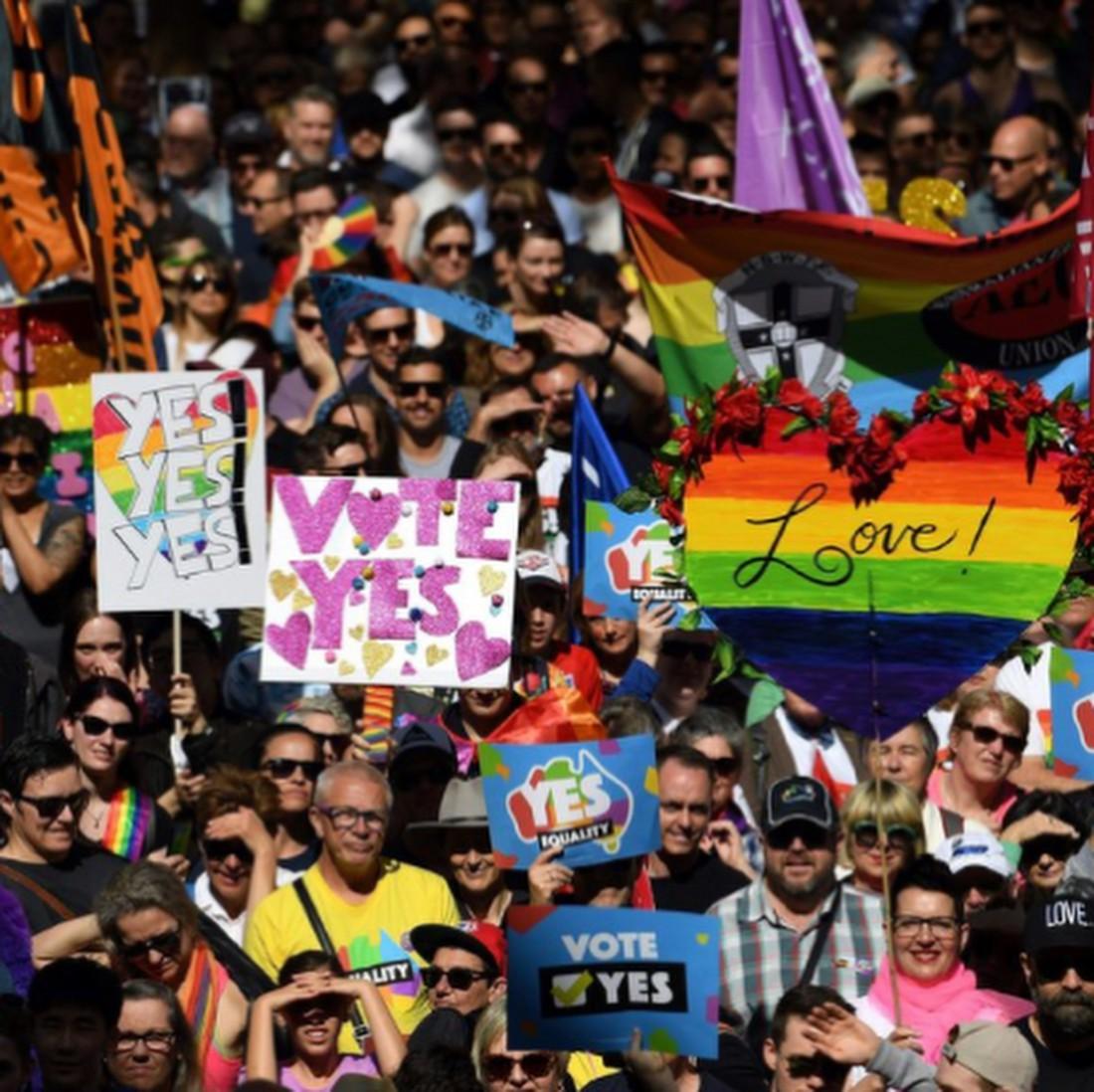 Лиам Хемсворт поддержал однополые браки