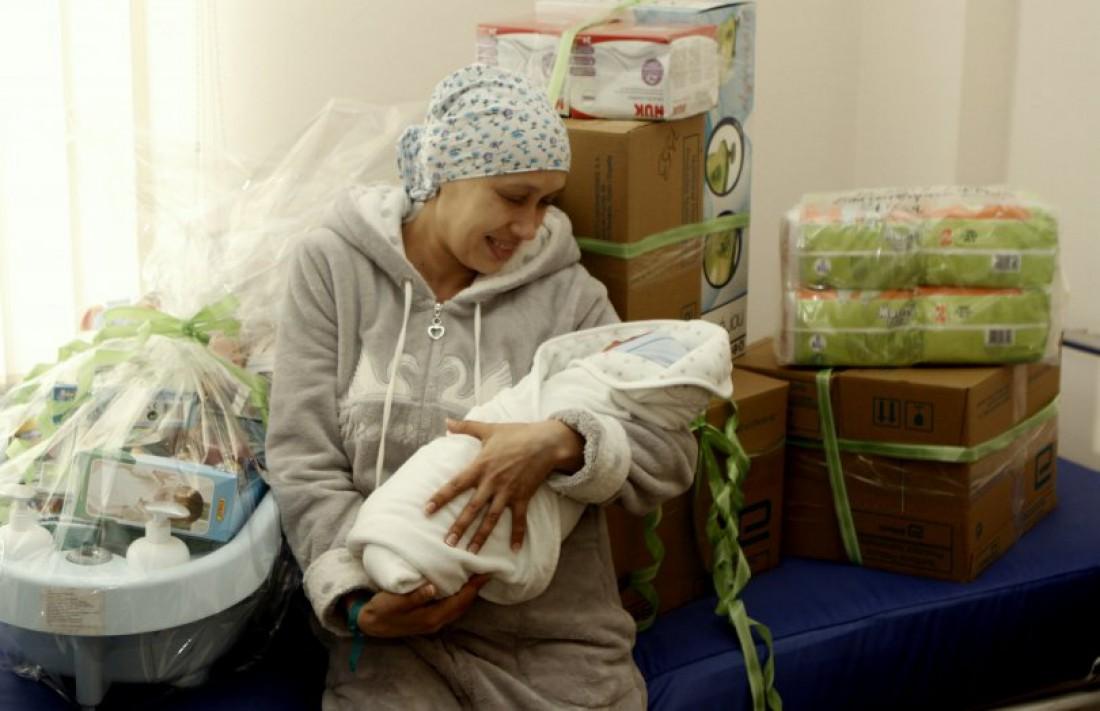 Анна Литвиненко с ребенком