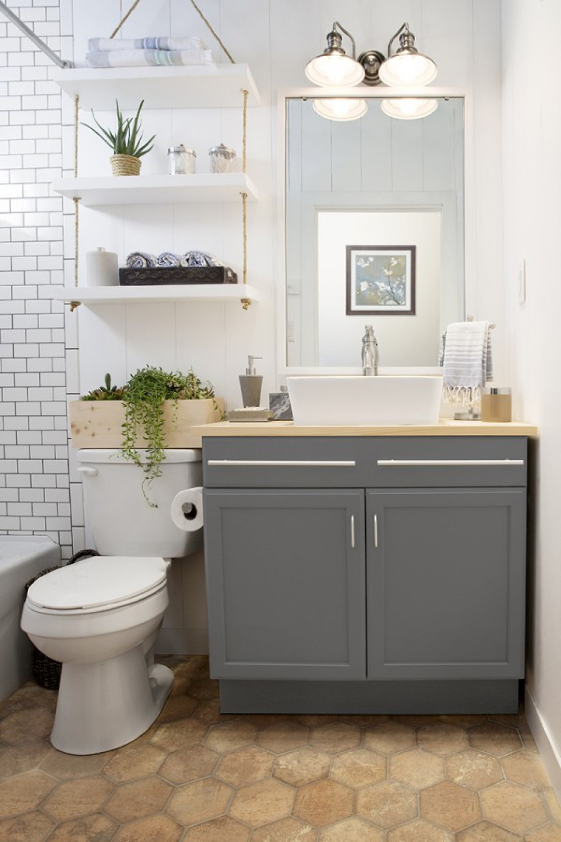 Как из маленькой ванной сделать большую?