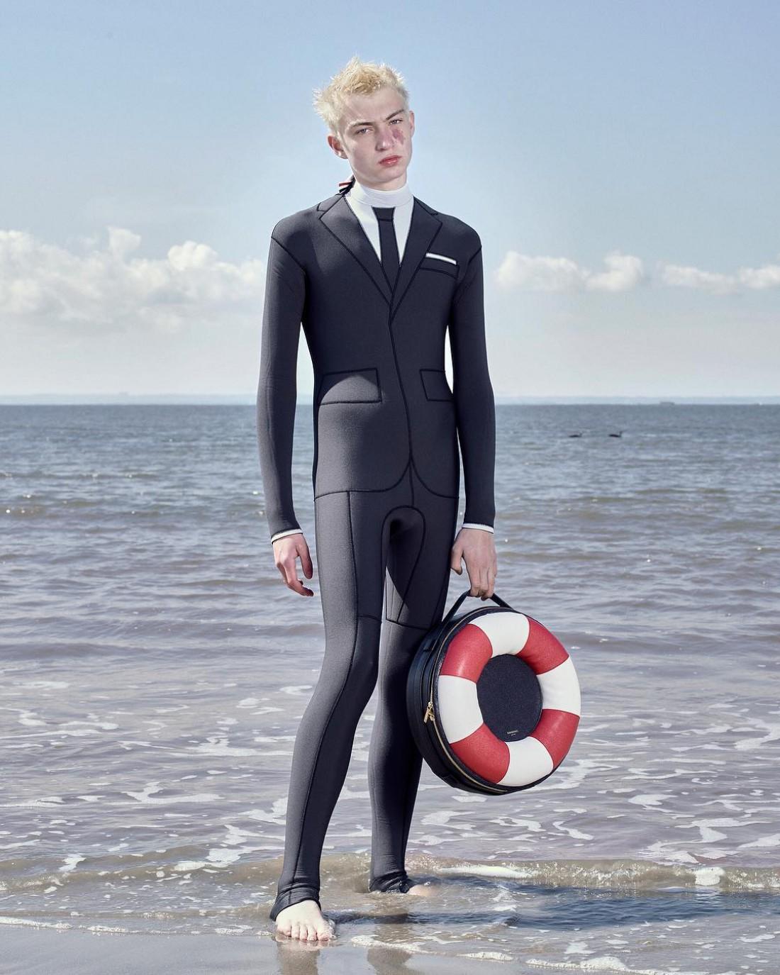 Костюмы для серфинга от Тома Брауна