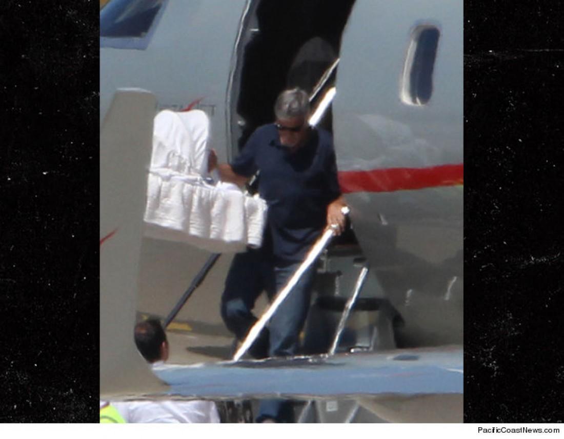 Джордж Клуни с детьми