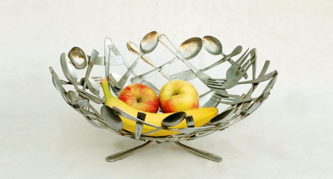 Ваза для фруктов из ложек и вилок