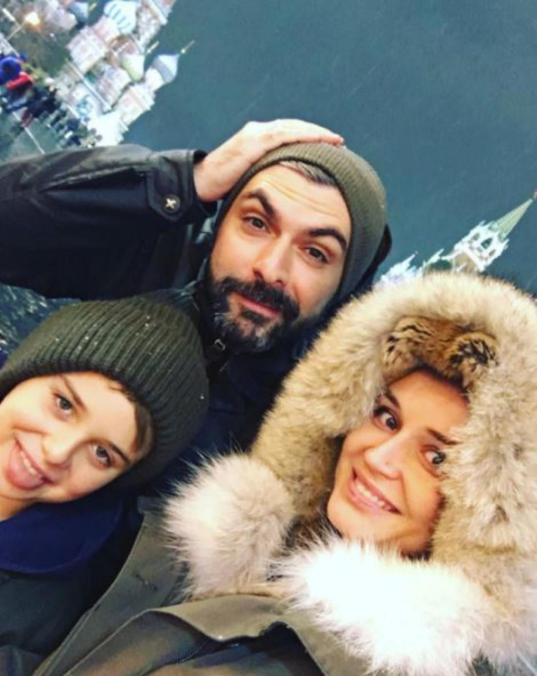 Полина Гагарина с семьей