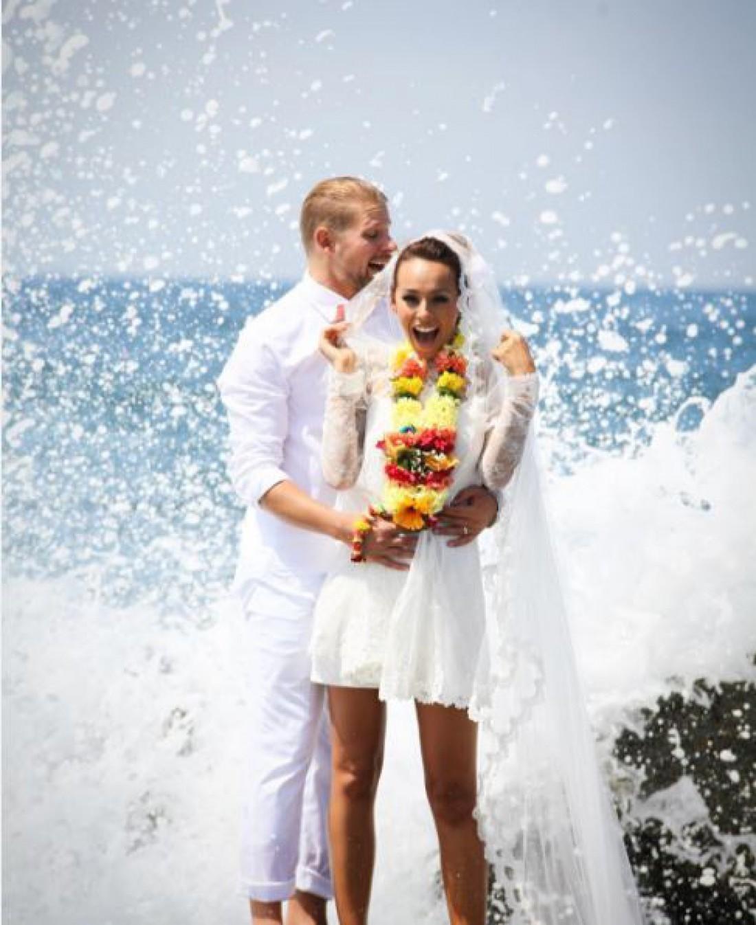 Участница группы «NIKITA» вышла замуж в уникальном наряде