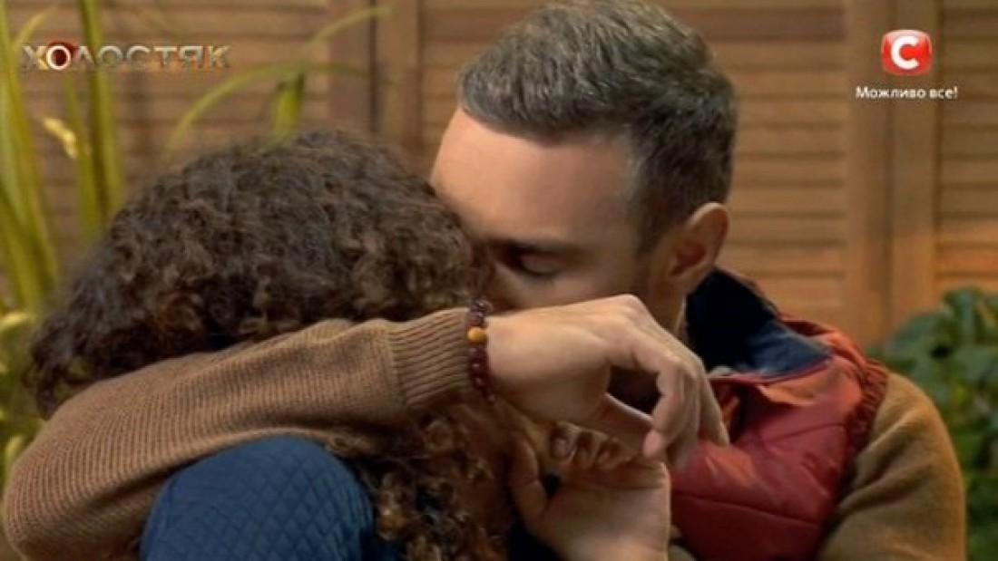 Холостяк 6 сезон 4 выпуск: Анетти поцеловалась с Иракли