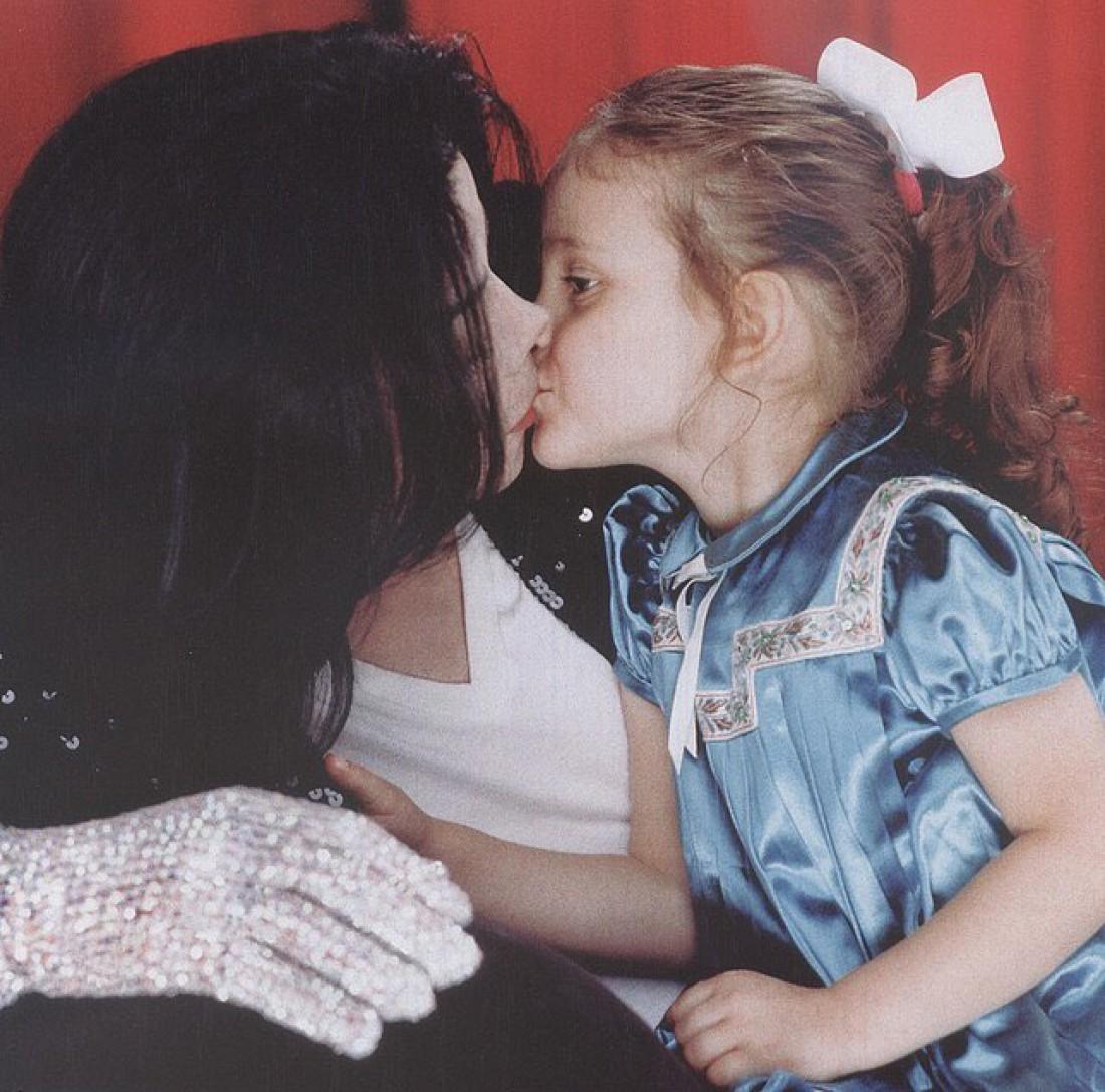 Майкл Джексон с дочкой Пэрис