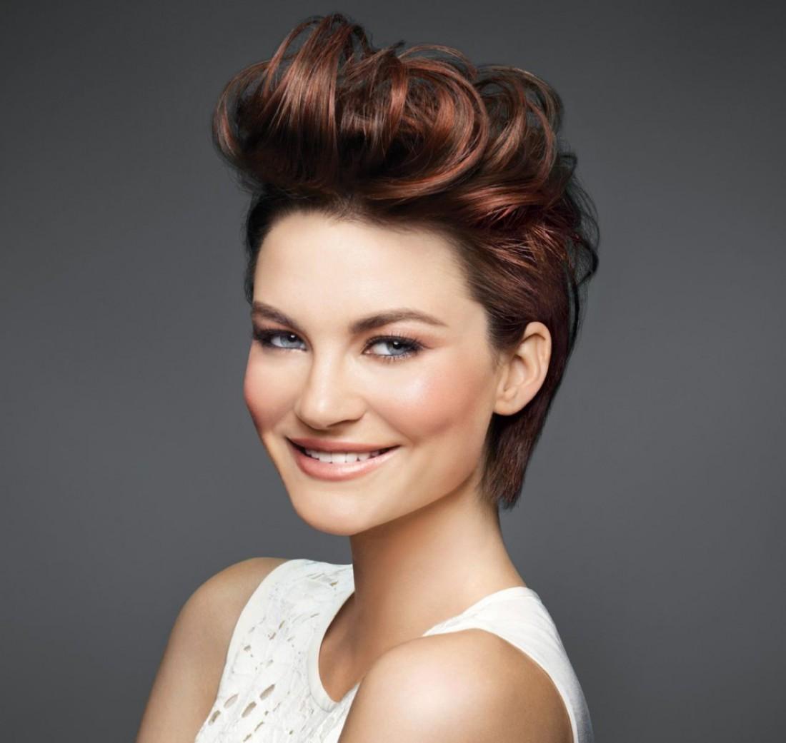 Главные hair-ошибки, которые старят: лак для волос