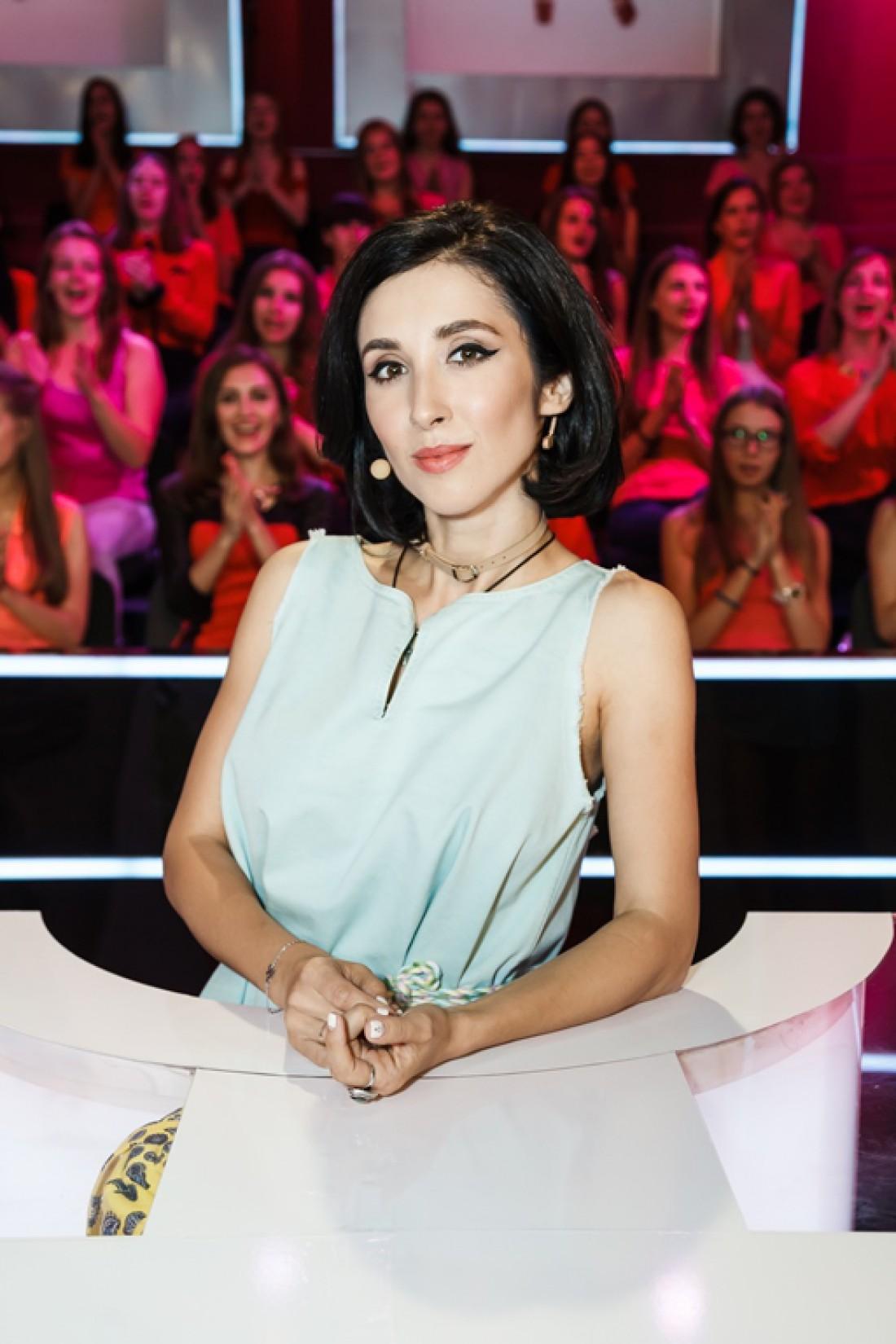 Певица Анна Завальская